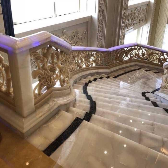 cầu thang đá hoa cương